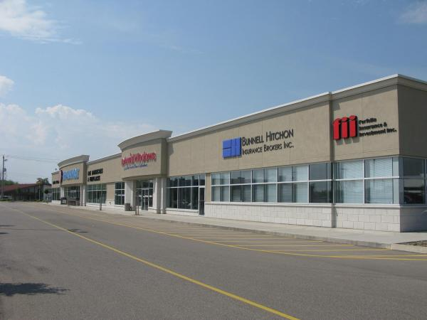 Office / Restaurant / Retail – 3,000 Sq. Ft., 5,000 Sq. Ft. or Pad Available- 195 Henry Street, Brantford, ON
