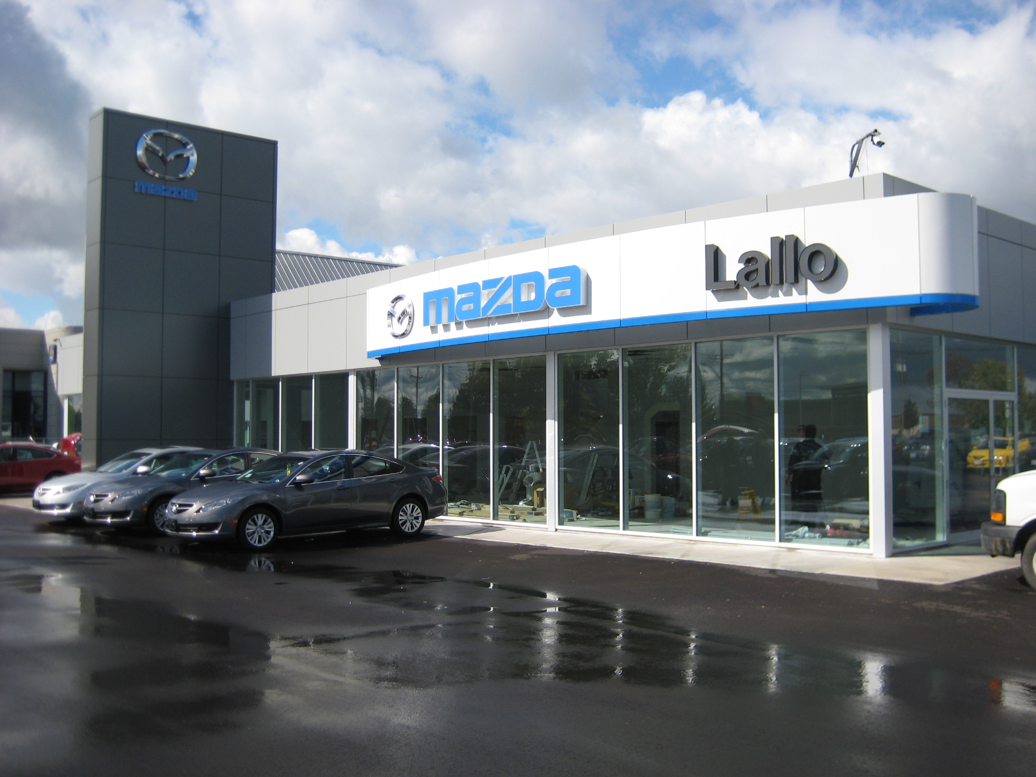 Lallo Mazda -Brantford, ON