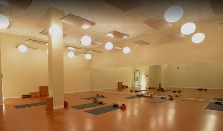 Moksha Yoga, Mud Street West, Stoney Creek, ON